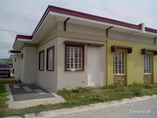 Picture of Ready for occupancy house and lot rush for sale